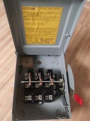 New Old Stock Eaton Cutl DG321NRB 30A 3 pole Fused Safety Switch 240V Ships Free