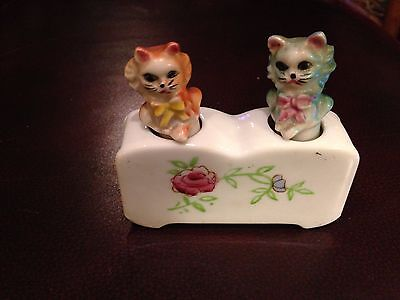 Vintage Patent T T Cats Salt and Pepper Shakers