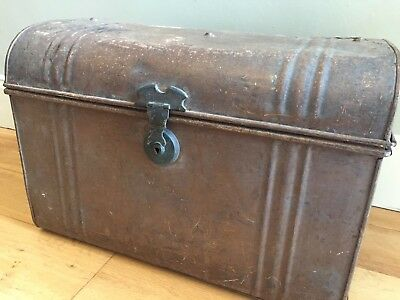 Vintage Metal Tin Steamer Trunk Chest Storage Box Coffee Table Small Neat 56cm