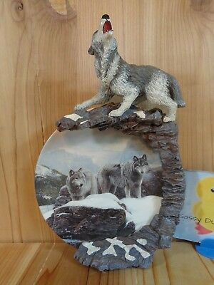 ARCTIC WATCH Wolf Wall Hanging Plate Terry Isaac First Issue SONGS OF THE SUMMIT