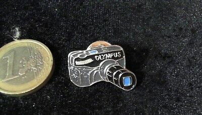 Olympus Kamera Pin Badge