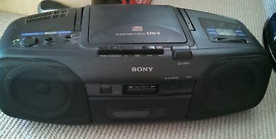 Sony CFD-8 Portable CD Player Boombox LCD AM FM Radio Tape Cassette Player