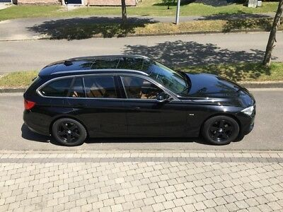 BMW 318D Touring Luxury Edition