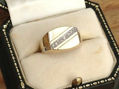 A Vintage Gents 9Ct Gold And Diamond Signet Ring, Size O