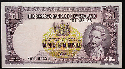 NEW ZEALAND £1 Banknote 1956-1957  P159d - FLEMING  261083198 one pound note