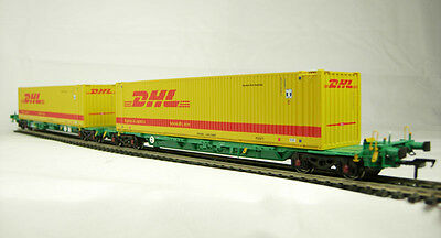 Bachmann37-305Intermodal 2 bogie wagons with  2 45ft containers DHL