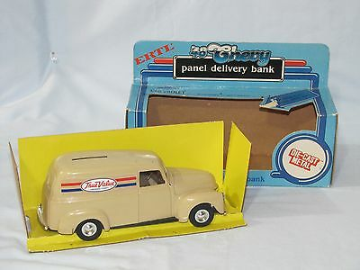 1950 / 48 Ford Panel True Value #3 In The Series 1/24th Scale Bank Made In 1984