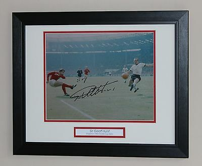 FRAMED Geoff Hurst England 1966 World Cup West Ham HAND SIGNED Photo Mount COA