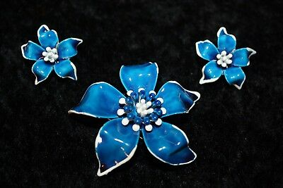 Stunning Vintage Estate Signed Art Blue & White Enamel Flower Brooch & Earrings