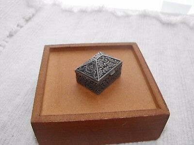 Antique Vintage Sterling Silver Snuff Pill Jewelry Box Floral Flower Leaf Design