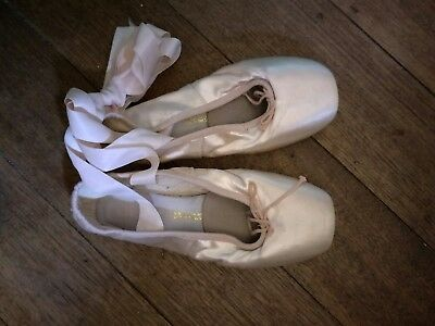 Pink leather ballet shoes Size 4.5