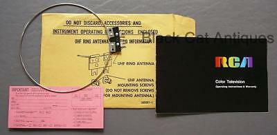 Original Vintage RCA Color Television Owners Manual & UHF Ring Antenna Eng/Fr