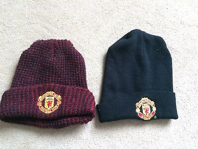 2 Manchester United men's black & red woolly hats, acrylic, Old Trafford, Lukaku