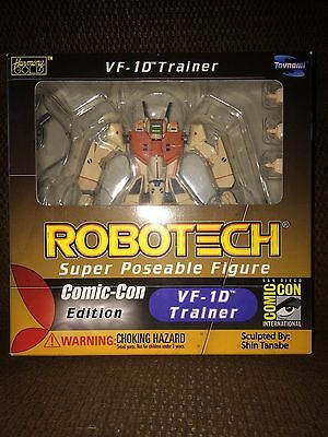 Toynami Robotech Macross VF-1D Trainer Super Poseable Figure Comic-Con Edition