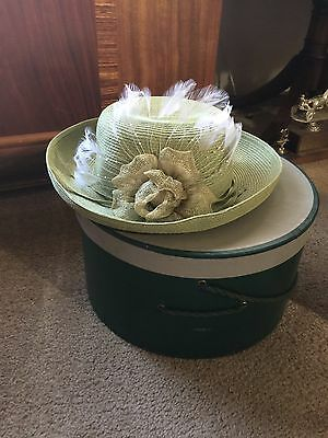 Ladies Vintage Hat  WITH HATBOX Lis Claiborn Lime Green Feathers Flower