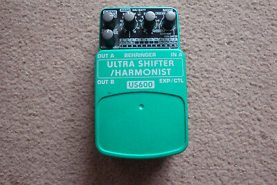 Behringer Ultra Shifter / Harmonist Pitch US600 Guitar Effect Pedal