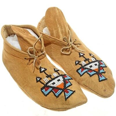 """Plains Indian 9.5"""" Beaded Brain Tanned Leather Moccasins Mid Century c1950s"""