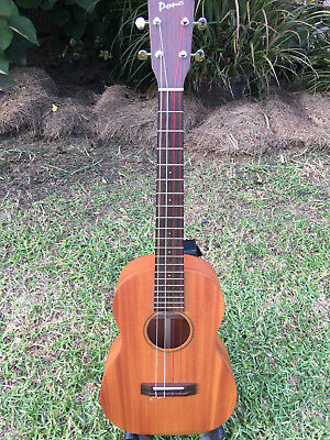 Pono MB baritone ukulele - all solid mahogany, near new condition