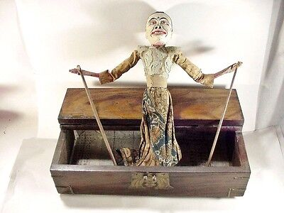 WAYANG GOLEK ANTIQUE INDONESIAN STICK / ROD PUPPET DOLL WITH BOX - 1800's