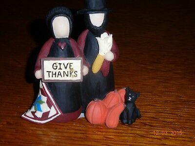 "New Blossom Bucket ""give Thanks"" Amish Couple With Sign"