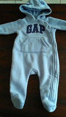 baby Gap boy blue long sleeve hooded footed snowsuit outerwear 3-6 months