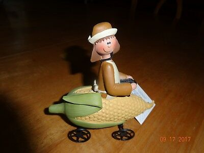 New Blossom Bucket Girl Pilgrim On Corn Cart