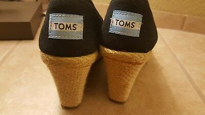 TOMS womens size 6 black wedge shoes New without box