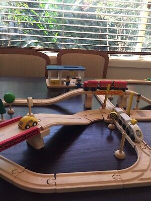 Plan Toys Road And Rail Play set