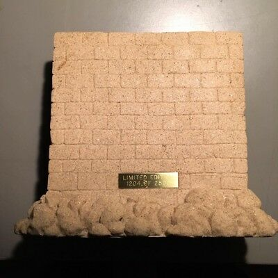 "Pink Floyd ""The Wall"" 2xCD Sealed Limited edition Sandstone WALL NO RESERVE RARE"