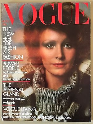 1972 October 15th Vogue Magazine Jean Shrimpton