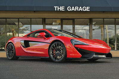 "2017 McLaren 570GT Coupe '17 McLaren 570 GT,562HP,19""frt/20"" Rr Wheels,Lift System,Carbon Switch Pack."