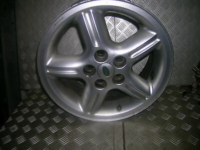 D2  Land Rover Discovery 18 x 8 inch alloy good condition. P38 Range