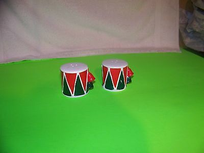 Lefton Christmas drum salt and pepper shakers