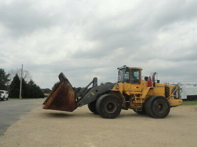 2006 Volvo L220E wheel loader solid tires runs and operates well bucket