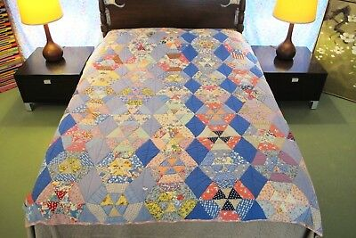 "GRAPHIC Vintage Hand Sewn Feed Sack SPIDER WEB Quilt, Novelty Fabrics; 80"" x 77"""