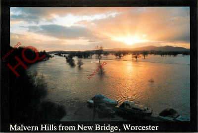 Picture Postcard:-Worcester, Malvern Hills From New Bridge, Floods