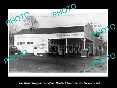 OLD LARGE HISTORIC PHOTO OF THE DALLES OREGON, DOUBLE CHANCE GAS STATION c1940