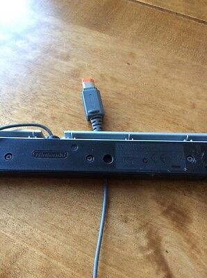 OFFICIAL Genuine Original Nintendo WII SENSOR BAR Tested, Works Perfectly.
