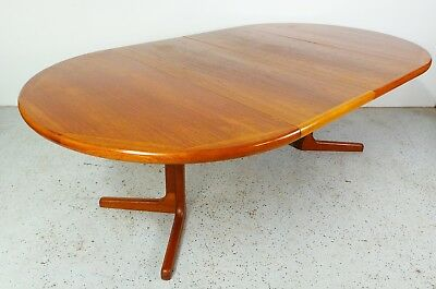 mid century Danish modern large teak oval expanding dining with 2 leafs