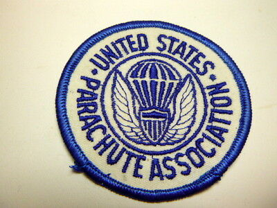 A      U S Army Parachute Association Merrowed Edge  Patch