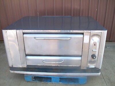 Blodgett 999 Natural Deck Gas Double Pizza Oven With Brand New Stones 26In Legs