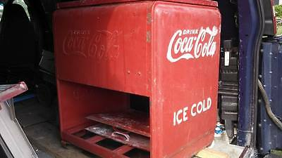 "Vintage Coca Cola chest cooler 1930s  ""LQQK"""
