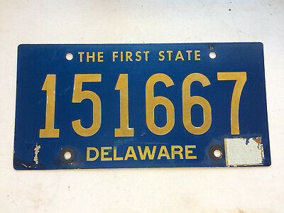 Vintage DELAWARE LICENSE PLATE 1960s Tag # 151667  RIVETS