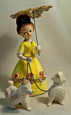 VTG NAPCO FIGURINE GIRL POODLES DOG WALKER STIFF LACE UMBRELLA 4J3460 YELLOW 50s