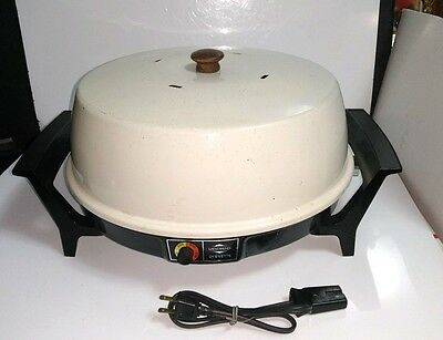 Vtg West Bend Electric Ovenette No. 5366  w/Temperature Control Bake Roast Grill