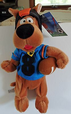 Warner Brothers 2000 Scooby-Doo Football #8 bean bag plush figure-New-w/tags