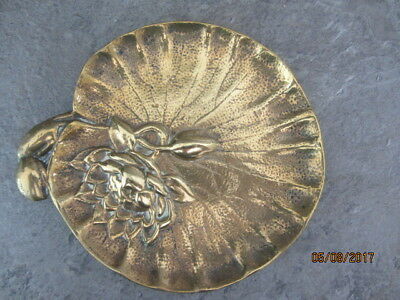 """1 x HEAVY VINTAGE BRASS LILY PAD PIN DISH- WATER LILY - Approx. size 6"""" x 6 1/2"""""""