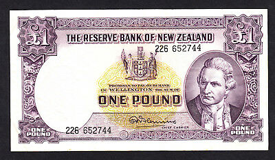 New Zealand 1 Pound (1956-67)  Fleming  w/ Thread F+ Note P. 159d