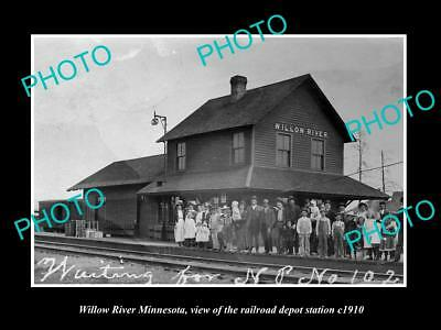 OLD LARGE HISTORIC PHOTO OF WILLOW RIVER MINNESOTA, THE RAILROAD STATION c1920