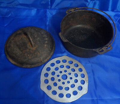 GRISWOLD #7 TITE-TOP CAST IRON DUTCH OVEN with LID & TRIVET (Erie, PA) - USA